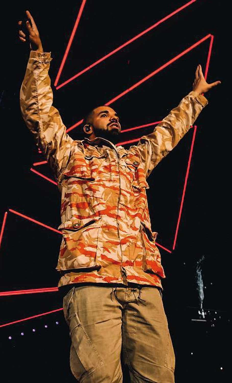 5 Men's Style We Admire - Drake