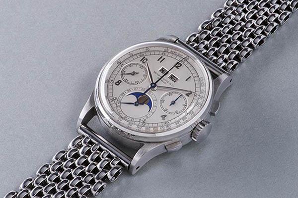 Patek Philippe in 1943 & Luxury Watch Facts | ROX